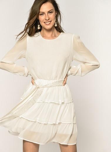 Loves You  Katlı Uzun Kol Şifon Elbise Beyaz